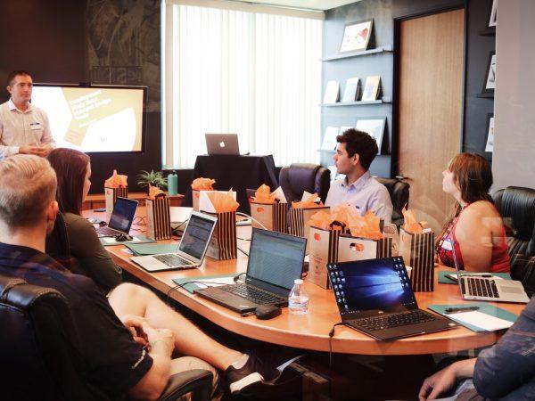 Studenti in riunione